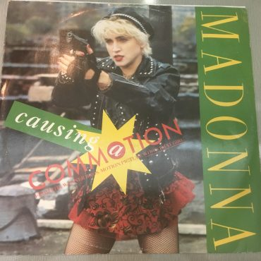 Madonna ‎– Causing A Commotion, 12″ Single Vinyl, Sire ‎– W 8224 T, 1987, UK